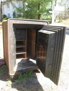 Used Jewelry Safe Roadside Interior